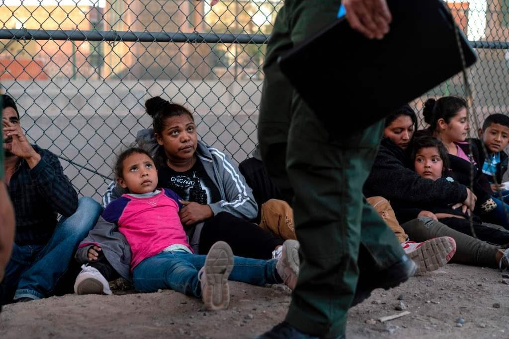 Estados Unidos arresta niños
