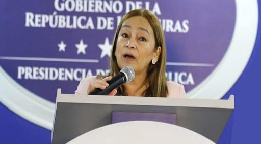 La Secretaría de Finanzas, reveló a través de un informe que la deuda pública de Honduras asciende a los 11 mil millones de dólares lo que significa el 45.9 por ciento del Producto Interno Bruto.