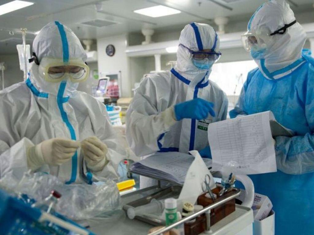 El número de contagiados llega a 3,296, con un aumento del 25 por ciento.