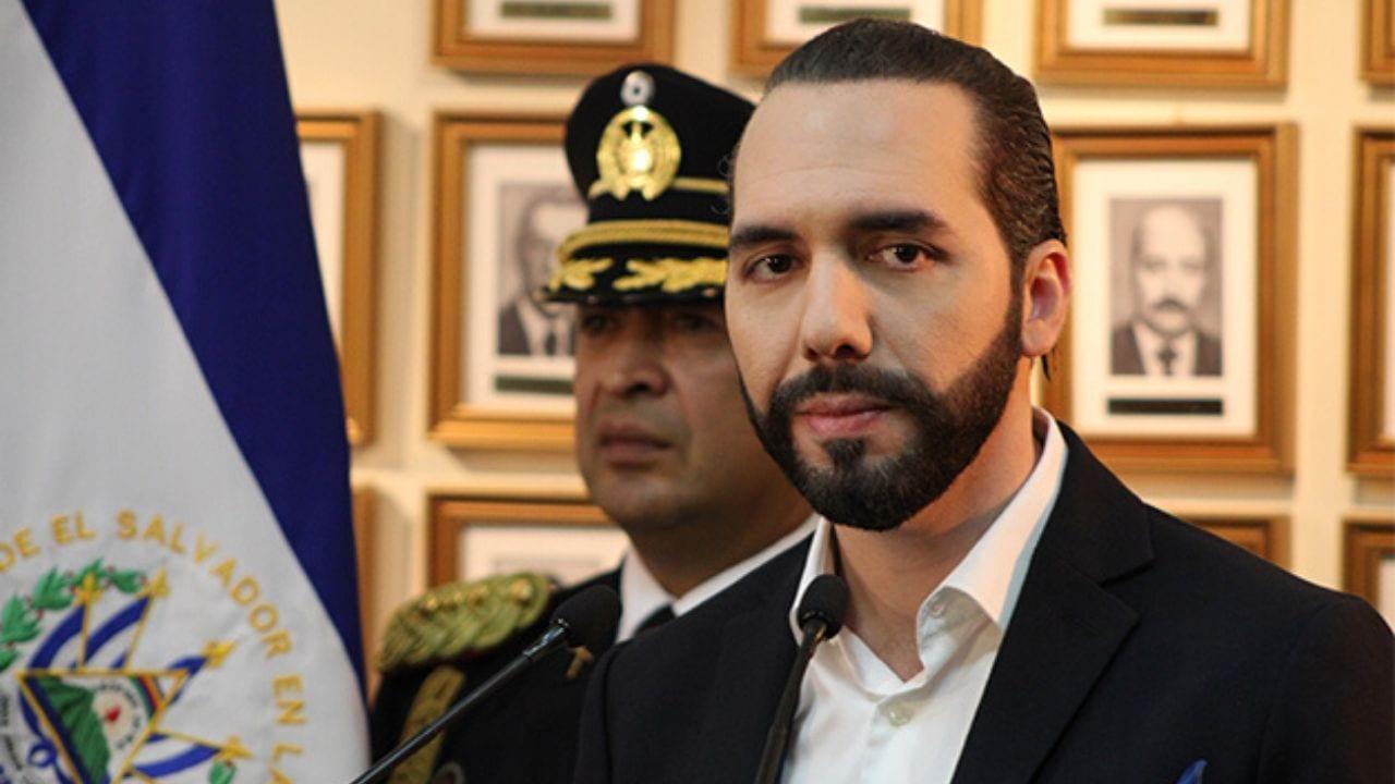 El mandatario centroamericano de 38 años de edad emitió minutos más tarde una alerta naranja en todo el territorio nacional