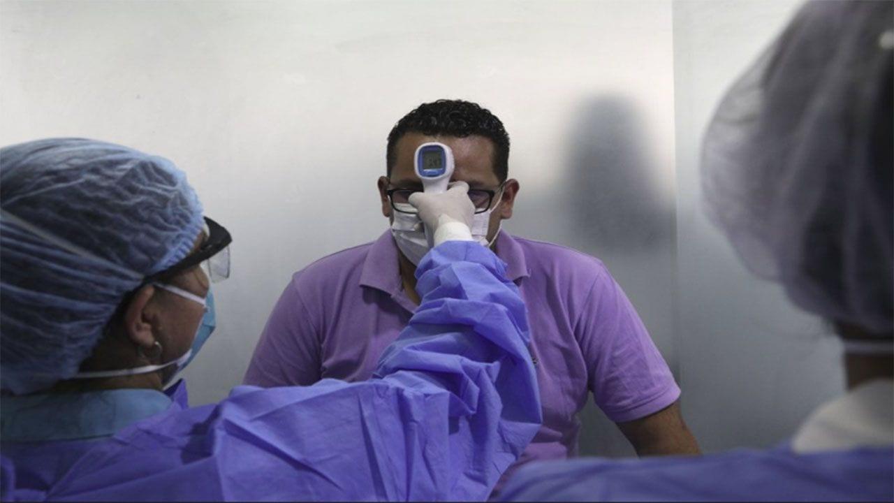 Los pacientes estarán hospitalizados ocho días más, por prevención, explicó el presidente.