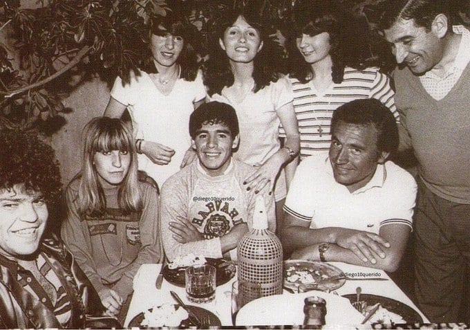 """""""Vaya, Diego, juegue como usted sabe"""", cuenta la leyenda que le dijo Juan Carlos Montes a Diego Maradona cuando lo hizo debutar."""