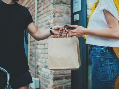 ¿Es más segura la comida por delivery y autosevicio en estos momentos?