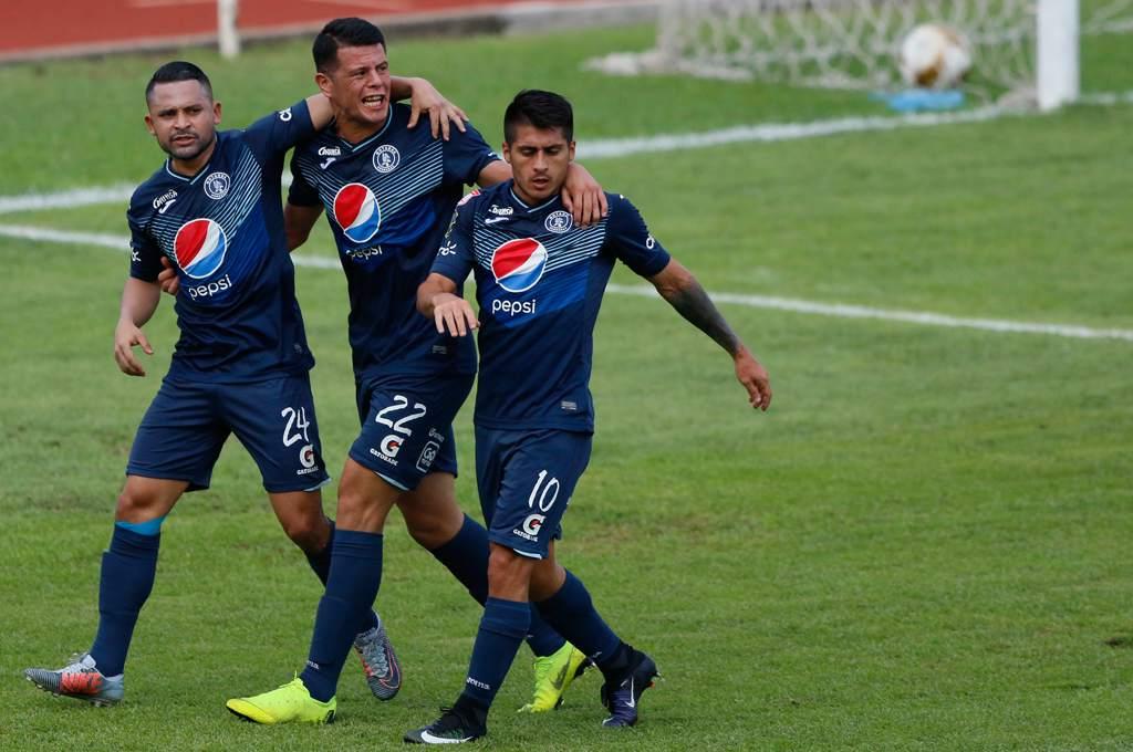 El Ciclón derrotó 4-1 a los blancos con doblete de Kevin López y es líder absoluto del Clausura 2020.