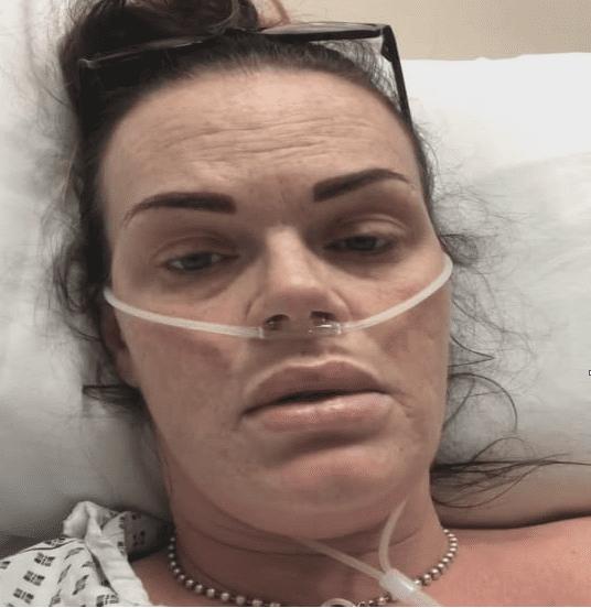 Karen fue hospitalizada por el riesgo que corre ella y su bebé, desde el hospital publicó un vídeo en su cuenta Facebook