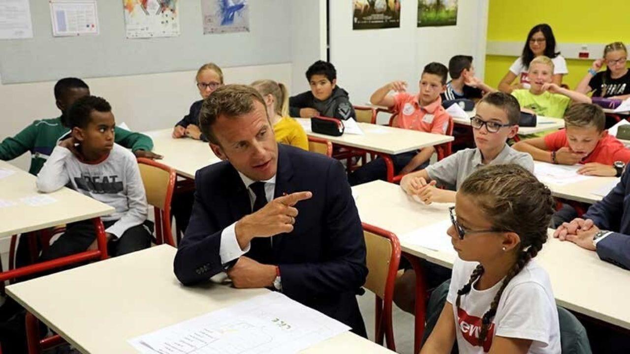 El ministro de Educación indicó que para limitar el número de alumnos por clase, se estudian opciones como continuar con la enseñanza a distancia