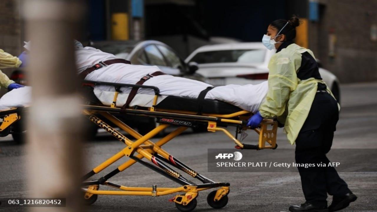 Los datos son proporcionados por la Universidad John Hopkins, que monitorea la pandemia en tiempo real.