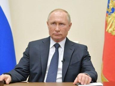 Putin declara un mes de asueto para frenar el coronavirus en Rusia