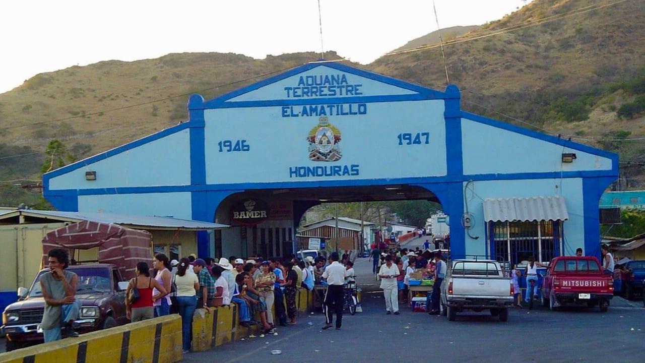 Tres funcionarios hondureños que laboran en la Aduana, habrían dado positivo de coronavirus.