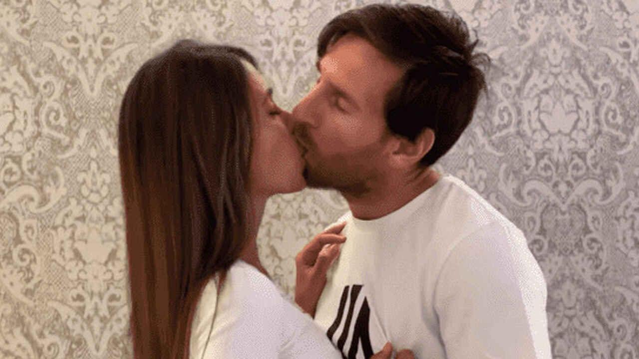 Las redes sociales se inundaron de comentarios destacando el beso de la pareja