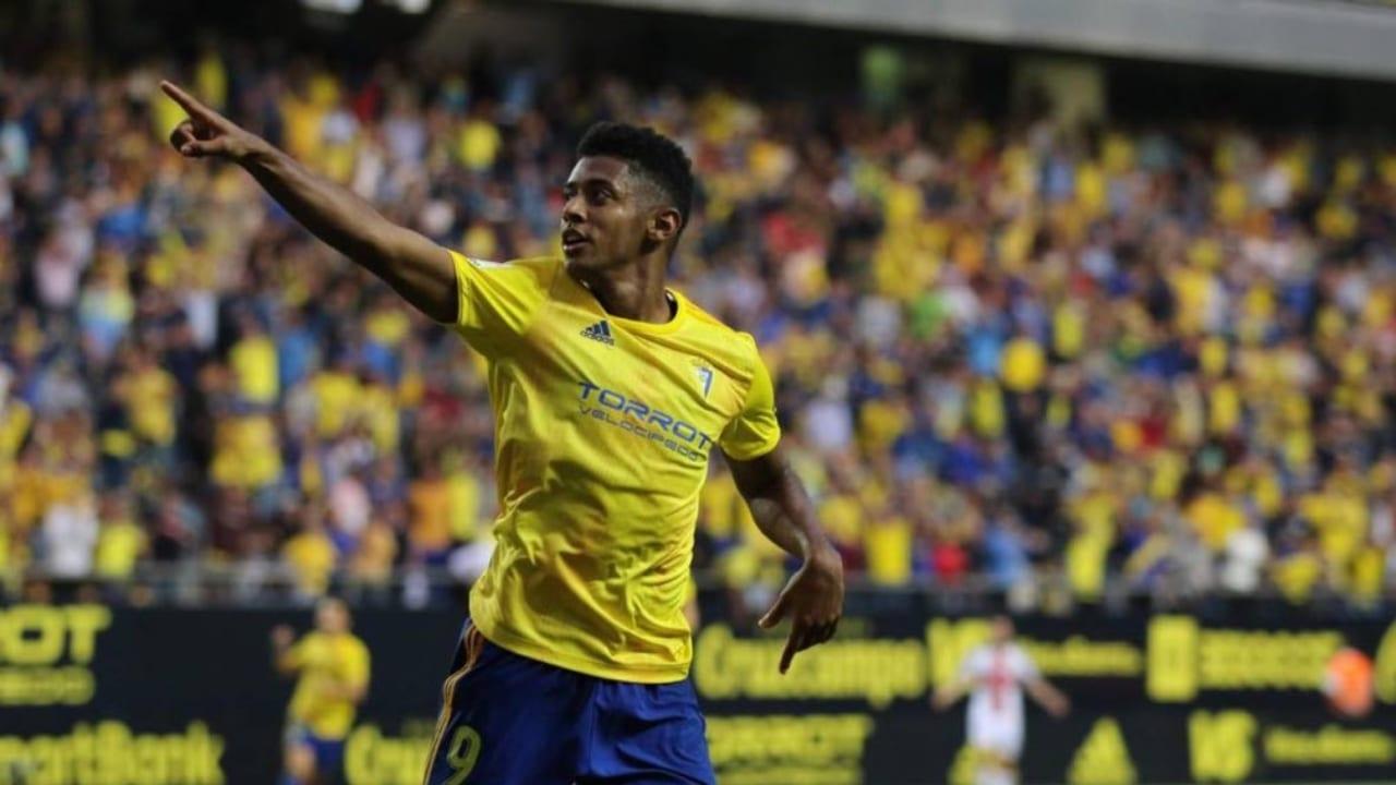 """""""Si el Cádiz CF sube a Primera, estaré tres años más. Si no es así hay una opción de compra"""", dijo"""