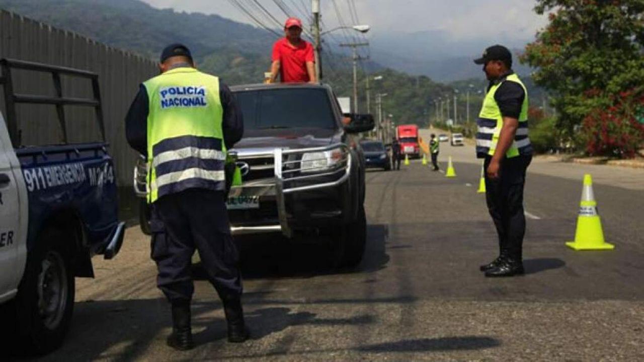 El subcomisionado de la DNVT detalló que entre los decomisos por infracciones que se realizaron el fin de semana se requisaron 121 vehículos y 391 licencias