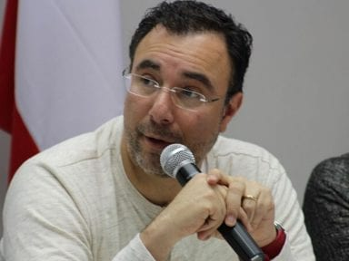 Luis Zelaya: Unión entre Ricardo Álvarez y Mauricio Oliva es indiferente