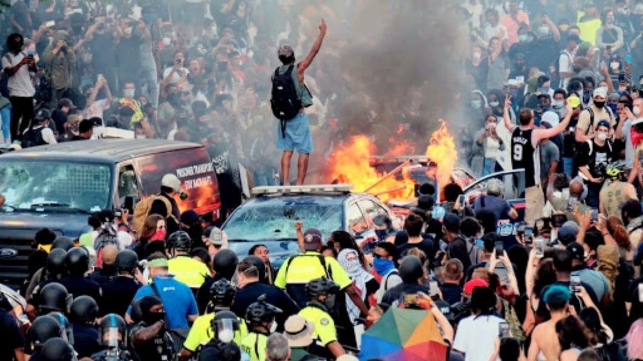 Los expertos en medicina temen que enfermos asintomáticos que hayan estado durante las protestas puedan infectar a otros debido a las aglomeracion