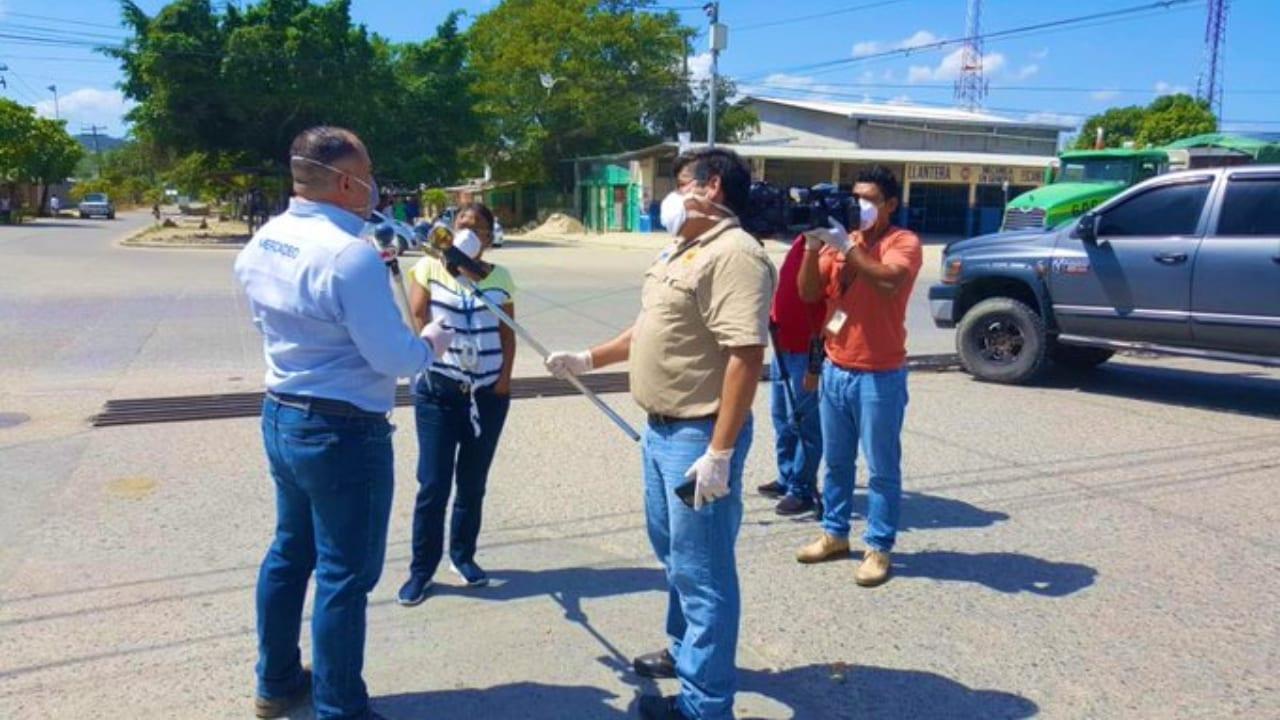 Médicos hondureños tratan a pacientes con covid-19 con tres diferentes tratamientos, uno de ellos de manejo durante el aislamiento en casa.