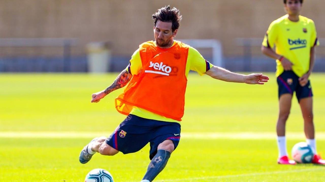 Se espera que LaLiga de España se reinicie el próximo 11 de junio, y el argentino lo hará con un look que se remonta a sus inicios.