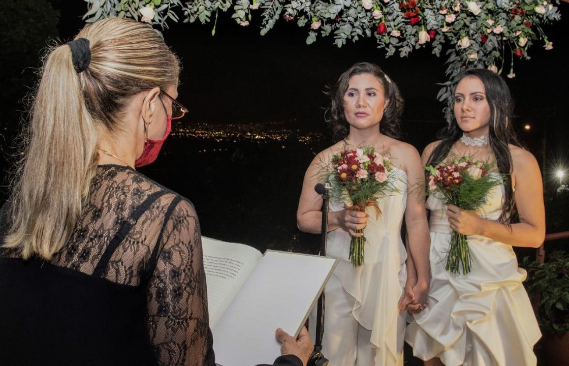 Costa Rica se convirtió en el primer país centroamericano en aceptar el casamiento igualitario.