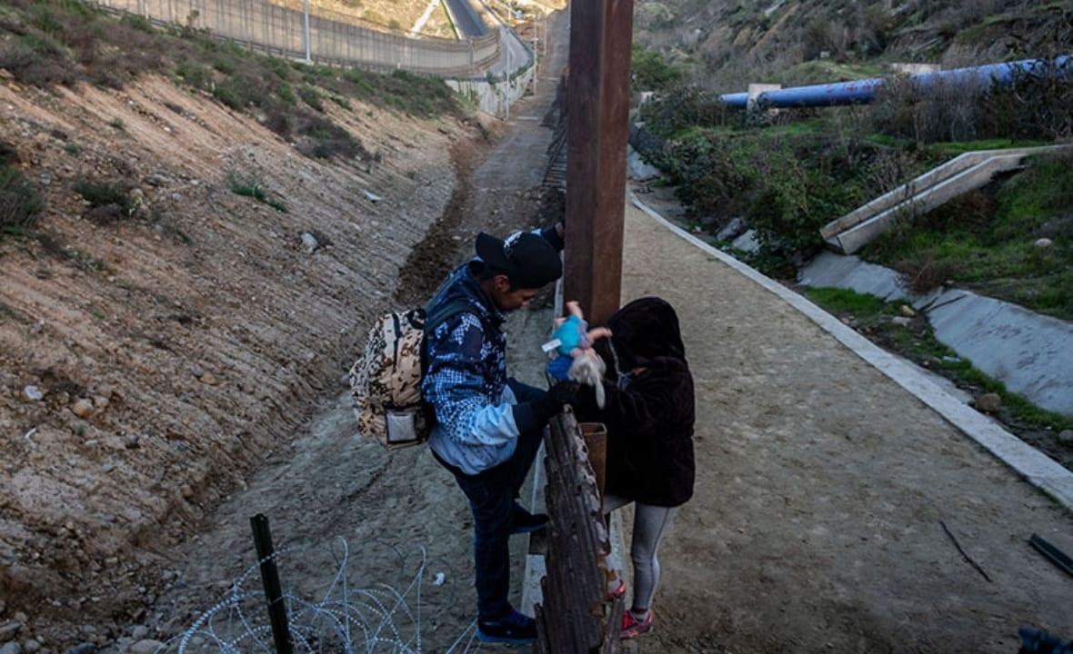 Menores de edad están siendo deportados a la frontera con México sin tener ninguna protección a de las leyes migratorias.