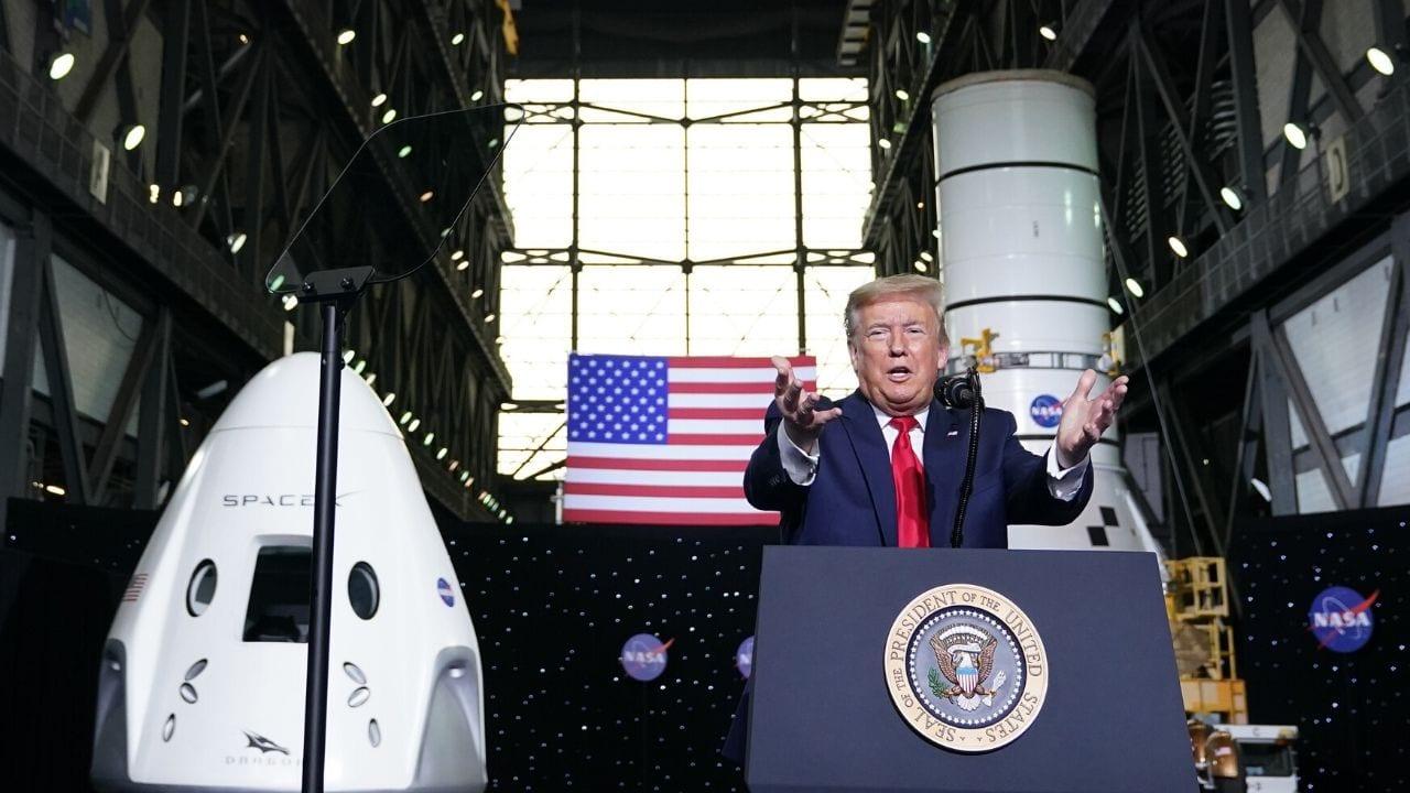 Trump asistió el sábado al Centro Espacial Kennedy, en Florida, para presenciar el histórico lanzamiento del cohete SpaceX.