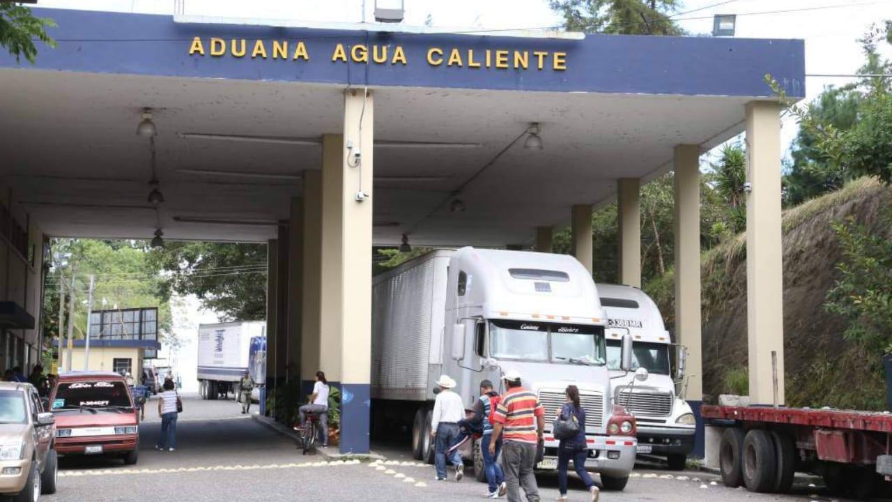 """Tras la decisión de Costa Rica de limitar el ingreso de transporte de carga extranjero, los demás países buscarán """"mejores procedimientos y mecanismos que garanticen la integridad sanitaria""""."""