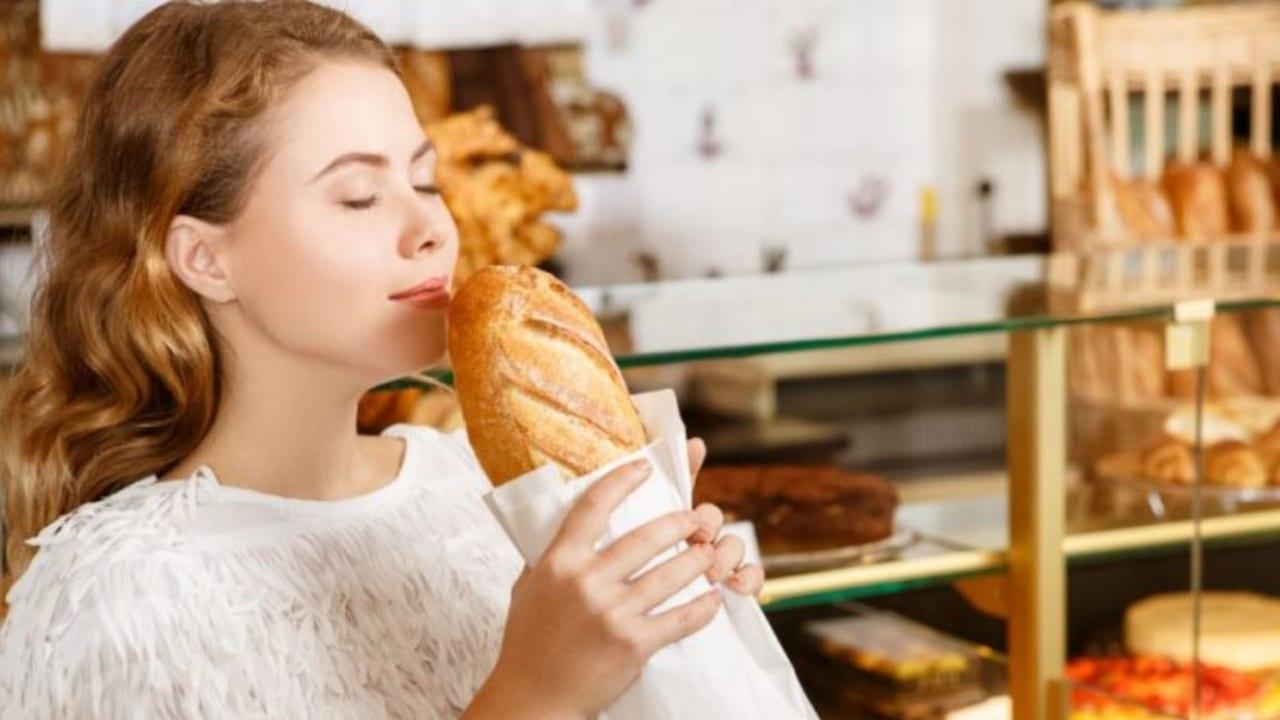 Uno de los productos que la población maneja dudas en cuanto a cómo se debe desinfectar es el pan