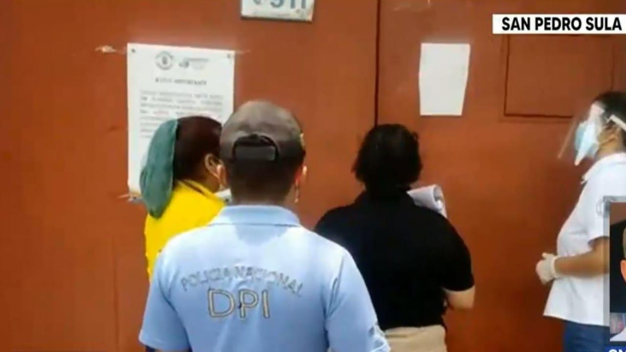 Al menos 16 adultos mayores del asilo Perpetuo Socorro en San Pedro Sula, Cortés, han dado positivo de covid-19.