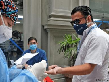 Un hondureño fallecido y 15 infectados por covid-19 en Reino Unido