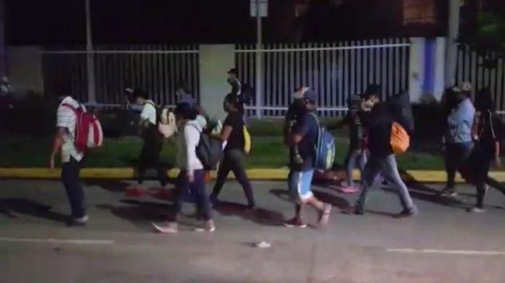 Hondureños migran a Estados Unidos en nueva caravana en medio del covid-19