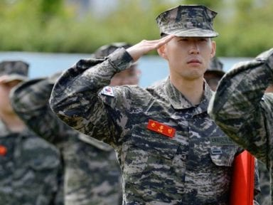"""""""Éramos diez personas en una habitación"""": Son Heung-Min habló de su experiencia en el Ejército de Corea del Sur"""