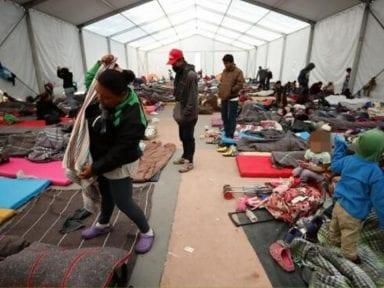 En México hay unos 100 mil migrantes en riesgo por el covid-19, alerta la UNAM