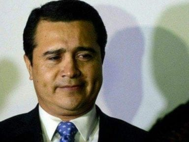 Confunden a Tony Hernández con dueño de los Gallos Blancos de Querétaro en México