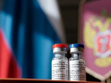 Vacuna rusa garantizaría 2 años de inmunidad contra el covid, mientras científico hondureño advierte que se debe ser precavido