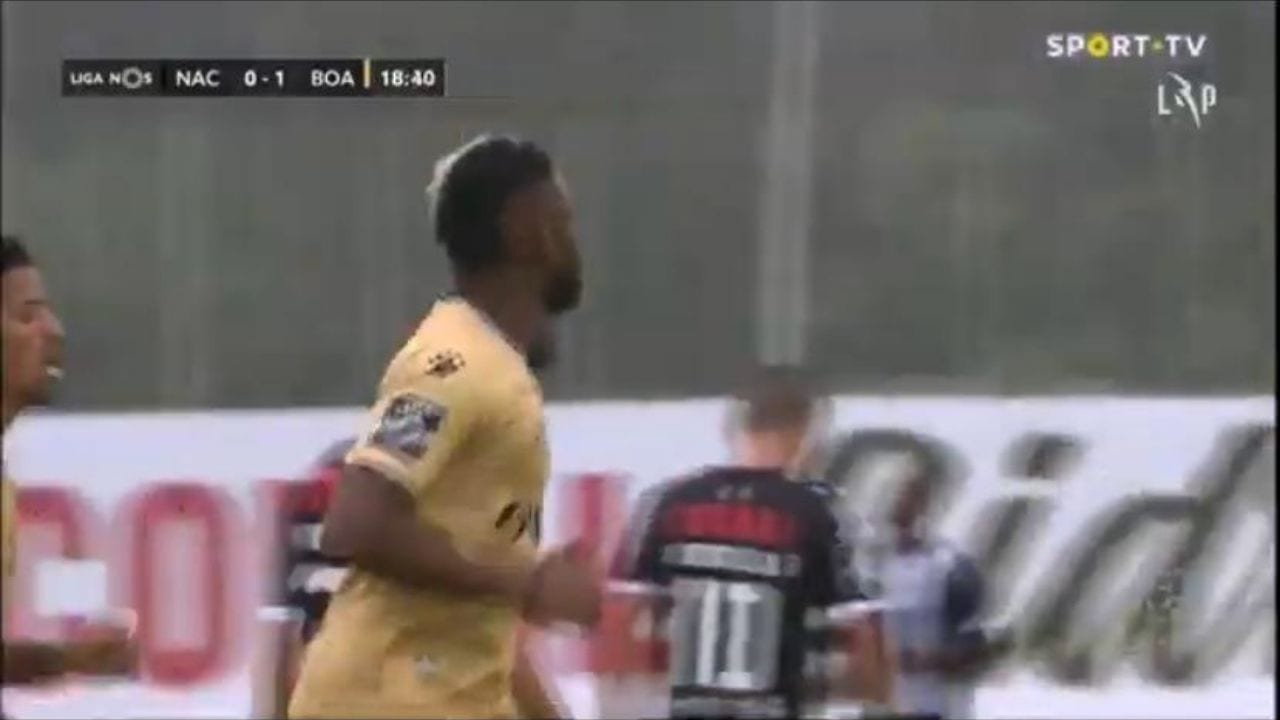 El hondureño ingresó a los 14 minutos de la primera parte en el juego que su equipo igualó 3-3 con el Nacional.