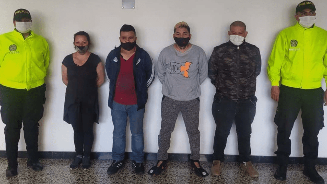 La Policía tuvo acceso a un vídeo grabado por los hechores, en el que mostraban cómo las torturaban, amarrándolas, golpeándolas y arrancando su cabello.