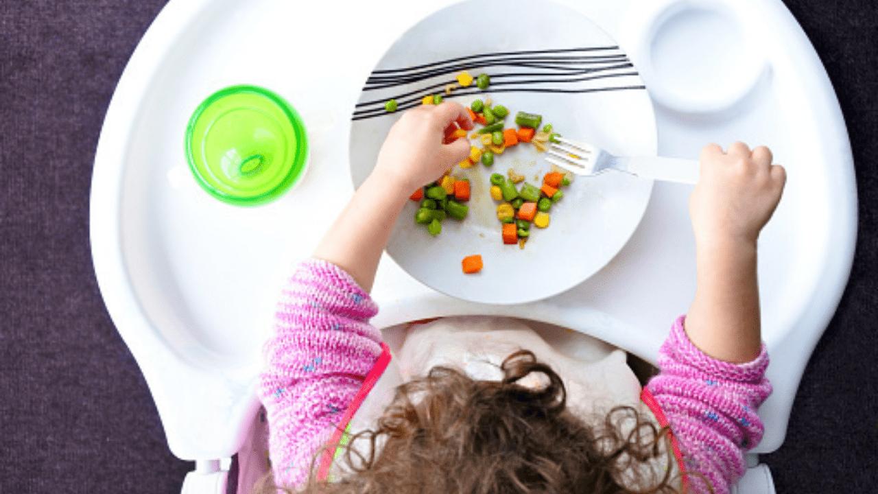 Los expertos consideran elemental que los padres se instruyan sobre temas alimenticios para sus hijos
