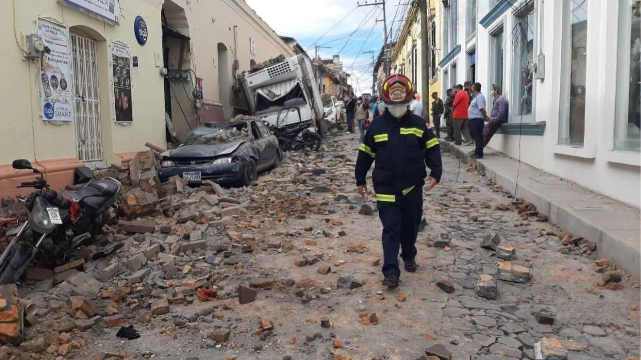 Debido al aguacero que ha caído en Copán, un muro cedió y causó varios daños en esta ciudad, incluyendo una persona herida.
