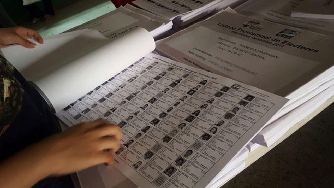 """""""Más de 1.5 millones de enrolados nos confirman que la base de datos que conforma el censo actual no genera la confianza para el proceso electoral primario de 2021"""", aseguró el comisionado del RNP, Óscar Rivera"""