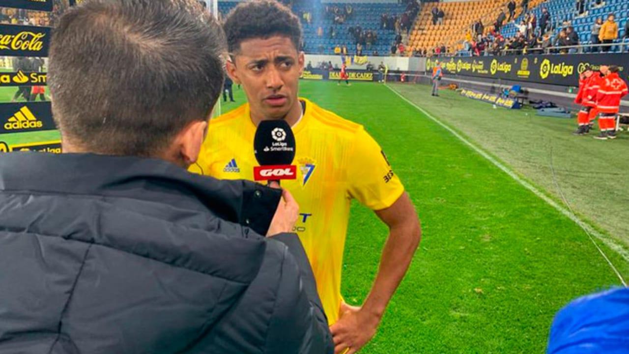 El hondureño apenas disputó poco más de 13 minutos el juego, tras haber sustituido a Negredo al 77'.