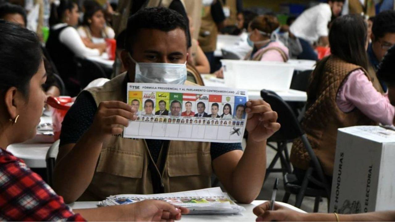 """""""Nos confirman que el censo anterior no está apto para formar parte de los procesos electorales, entonces queremos que se utilice el censo que nosotros estamos construyendo en base al enrolamiento"""", apuntó Roberto Brevé, comisionado del RNP"""