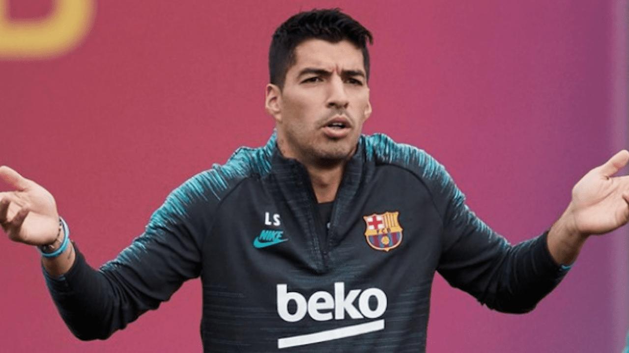 El director deportivo Fabio Paratici confirmó que el pasaporte del uruguayo no llegará a tiempo y que su nombre ya no está en la lista de objetivos del equipo Biancocero