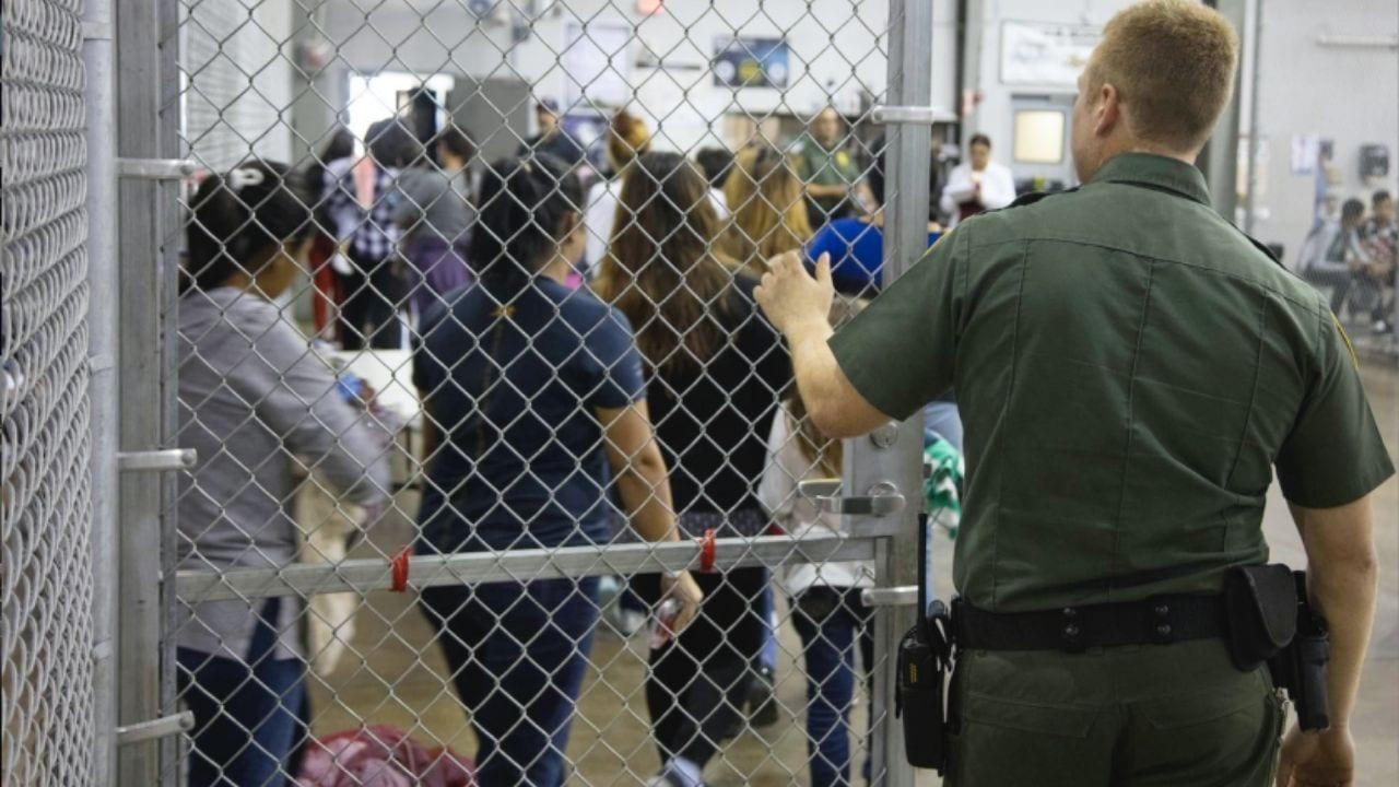 """El ICE ha desestimado las acusaciones, señalando que son """"acusaciones anónimas y no probadas"""" que buscan desprestigiar a la organización migratoria"""
