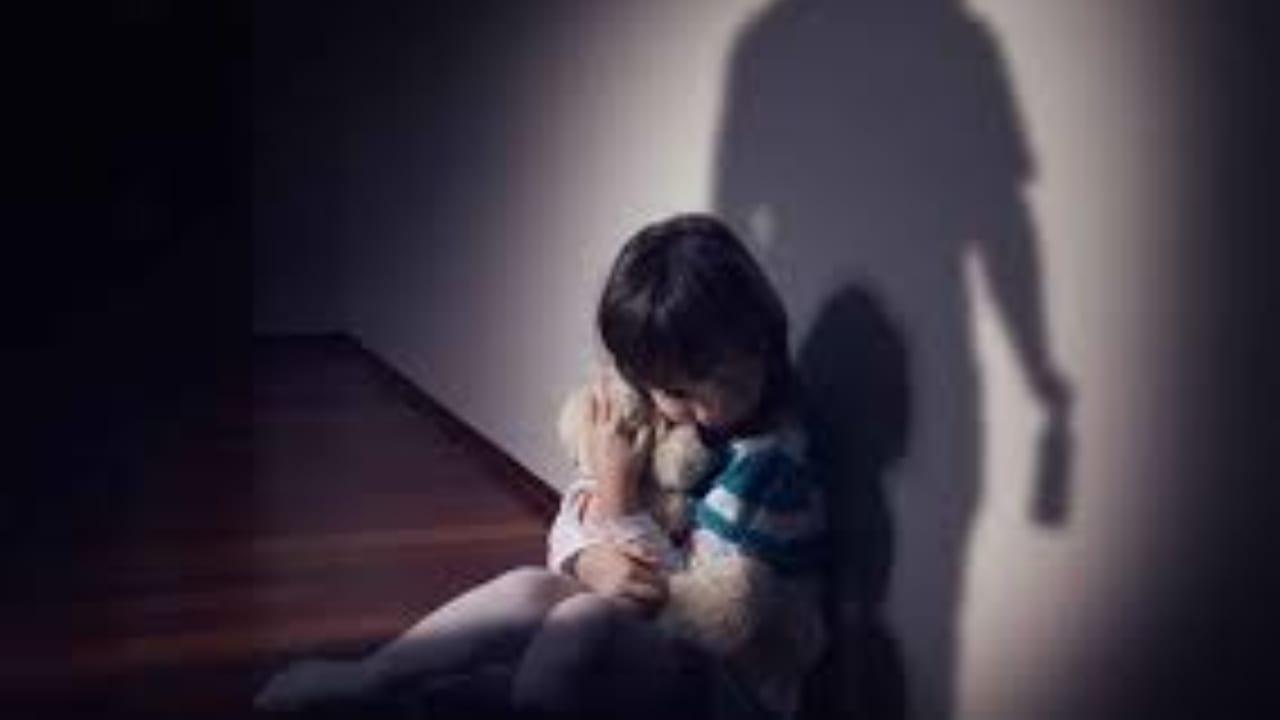"""""""Pierden la mirada en el cielo o en el suelo, porque en ese momento que se queda ido está reviviendo su sufrimiento, recordando la violación"""", asegura la psicóloga Claudia Sánchez."""