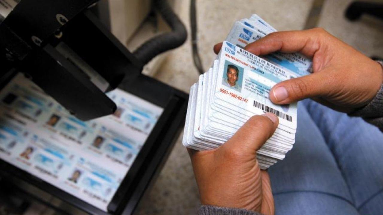 Con el nuevo documento de identidad los hondureños podrán optar a pasaportes o matrícula consular que es aceptado en varios estados de Estados Unidos