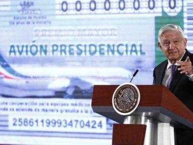 El presidente de México sortea su avión presidencial para comprar insumos médicos