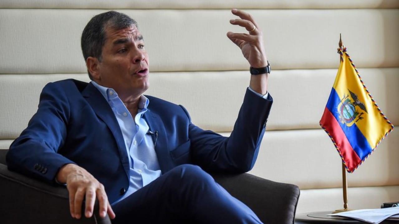 Correa manifiesta que está siendo víctima de un atropello ilegal porque en su país no reconocen su candidatura a la vicepresidencia.