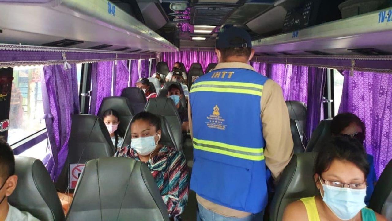 Los pasajeros tendrán que viajar en silencio, pero los cobradores también tendrán que cumplir ciertos requisitos.