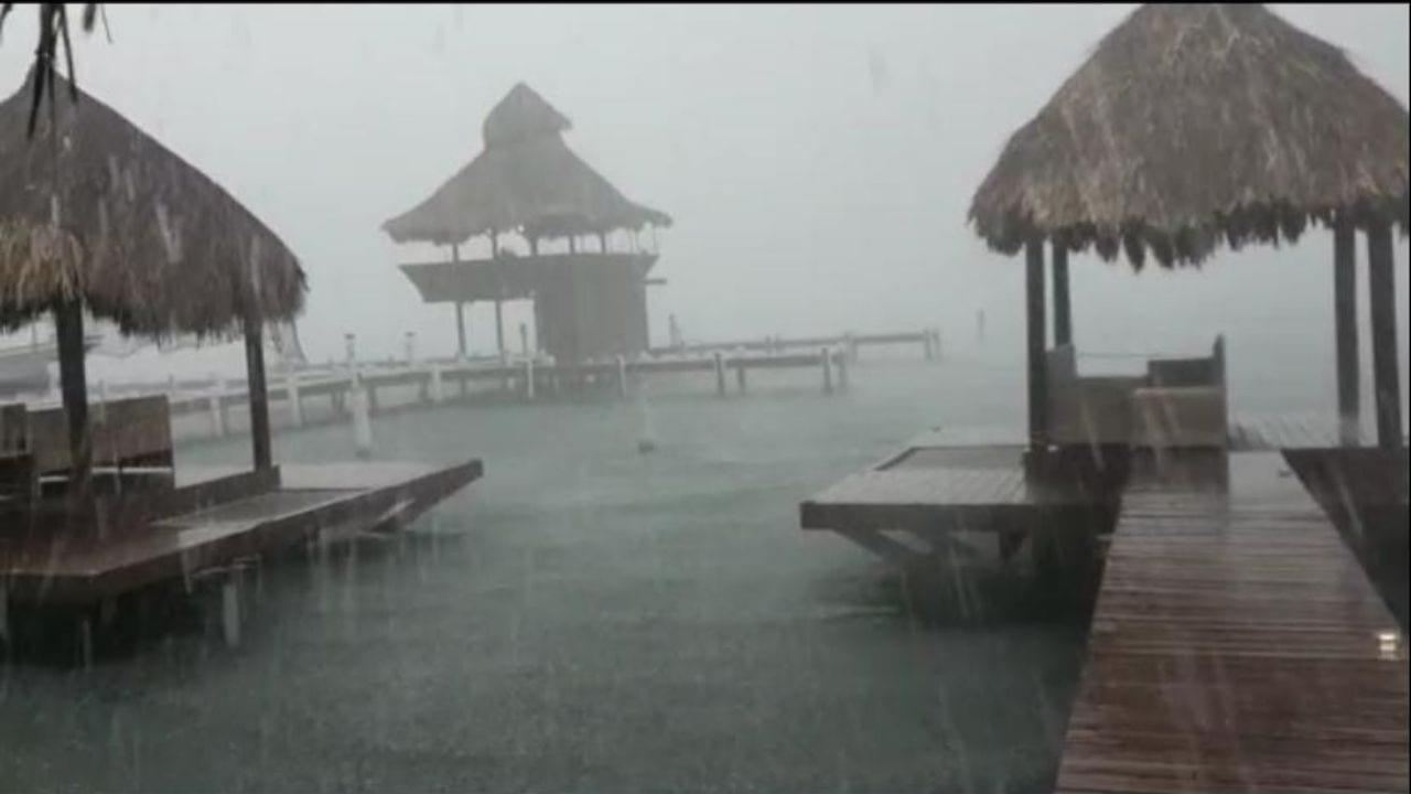 Fuertes lluvias e intensos vientos se mantienen en el departamento insular del país que tiene alerta amarilla.