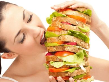 ¡Ya no es un secreto! Científicos explican por qué algunas personas comen de todo y nunca engordan