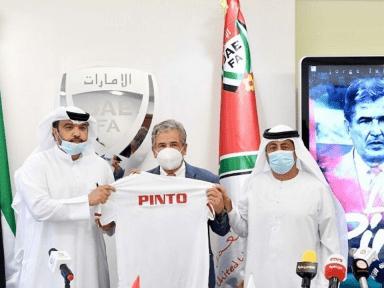 Jorge Luis Pinto ya no es más el técnico de Emiratos Árabes