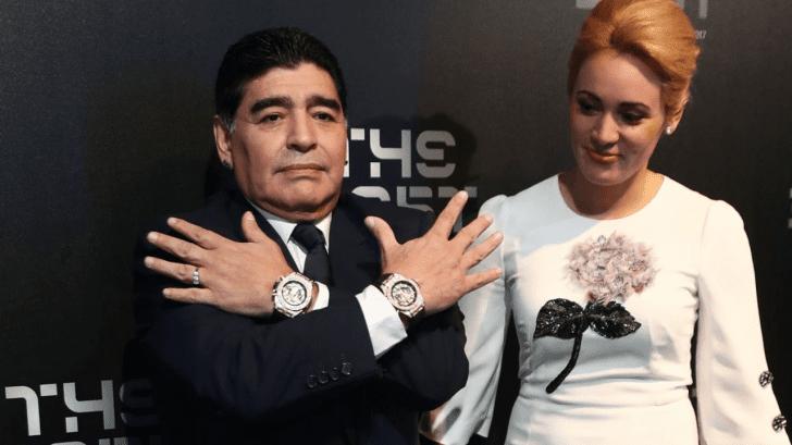 La insólita razón por la que Maradona siempre usaba dos relojes a la vez